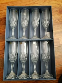 8 Champagne crystal glasses flutes made France NEW Tampa, 33611