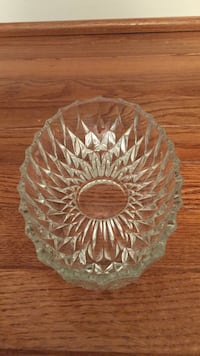 Glass or crystal cut serving dish Brookeville, 20833