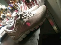pair of gray Nike Air Max shoes Stevinson, 95374