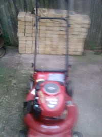 "Craftsman self-propelled 21"" cut lawnmower Altoona, 16602"