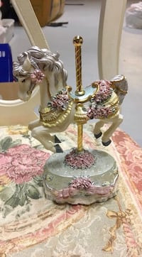 Musical carousel horse figurine Toms River, 08755