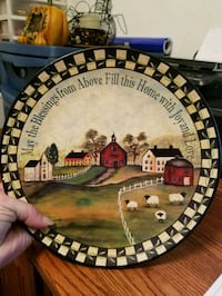 Ceramic primitive plate 10 inches  Waynesboro, 17268