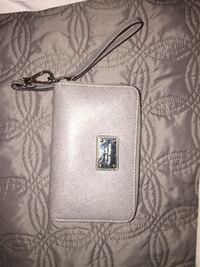 Michael Kors small wallet! Use it twice. Very good condition Calgary, T3H 4S3