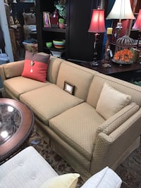 Sherrill Beige Diamond Sofa