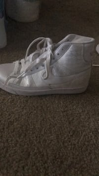 Nikes size 7.5 Chevy Chase, 20815