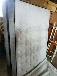 double mattress and box spring barely used  Brampton, L6X
