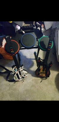 Wii electric drum set and guitars Burtonsville, 20866