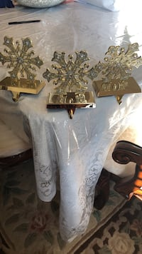 Gold heavy metal with crystals Xmas stocking holders..set of three..snowflakes designed  733 km