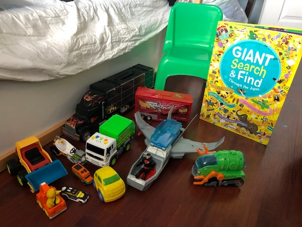 All toys with GIANT SEARCH & FIND BOOK