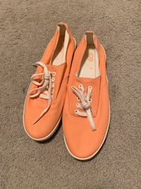 Peach sneakers  Beaumont, T4X