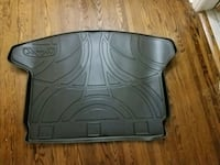 Rubber trunk floor mat for SUV Toronto, M2R 3A7