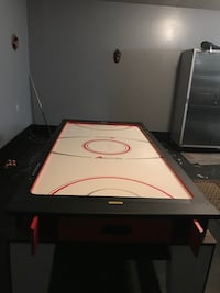 Combination white and black air hockey table/pool table Destrehan, 70047
