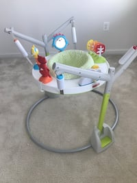 baby's white and green jumperoo Ashburn, 20148