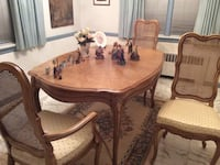 French Provincial dining room set, includes 6 chairs very lightweight Bronxville, 10708