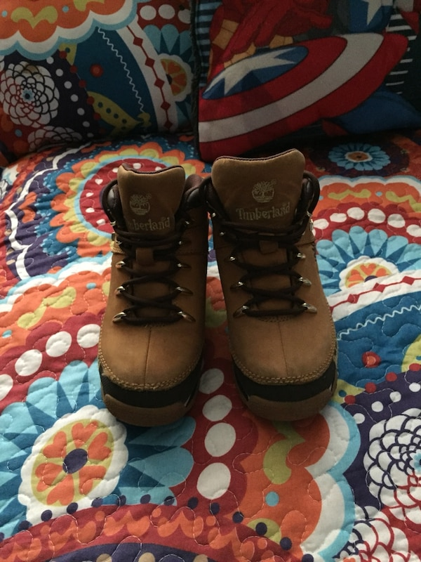 Pair of boys Timberland in great condition. Size 5($50) 8bbf091e-a853-49e5-9857-e4b586137ada