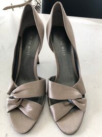 Women's Taupe Heels - Size 5.5 Toronto, M8V 1A1