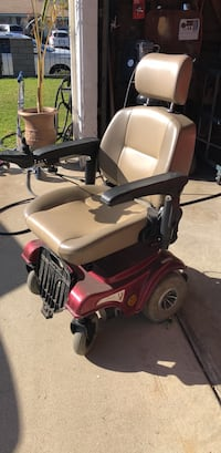 electric wheel chair needs battery replacement  Montclair, 91763