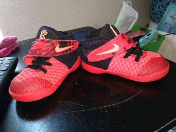 922849ca112d Used pair of red-and-black Nike basketball shoes for sale in Fort Worth