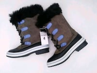 New snow boots size 4 kids