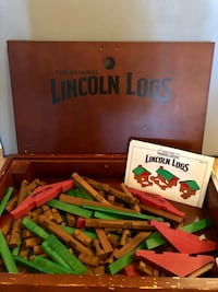 The Original Lincoln Logs Building Set