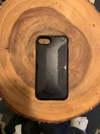 Black iPhone with a case 128 GB WESTBROOK