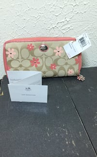Coach wallet Brand new  Independence, 44131