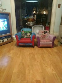 Mickey Mouse and Minnie Mouse toddler chairs Belvidere, 61008