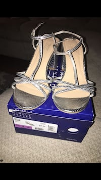 Silver heels size 6 worn only for few hours Cerritos, 90703