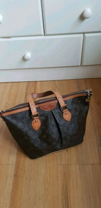 black and brown leather tote bag London