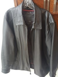 Men's black leather full zipped jacket