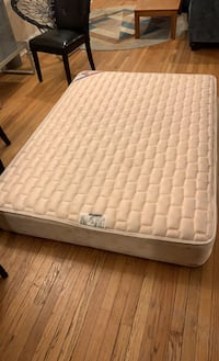 Mattress and boxspring, full size