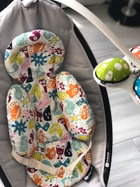 4moms mamaRoo Swing + FREE Fisher Price Froggy floor seat for full ask