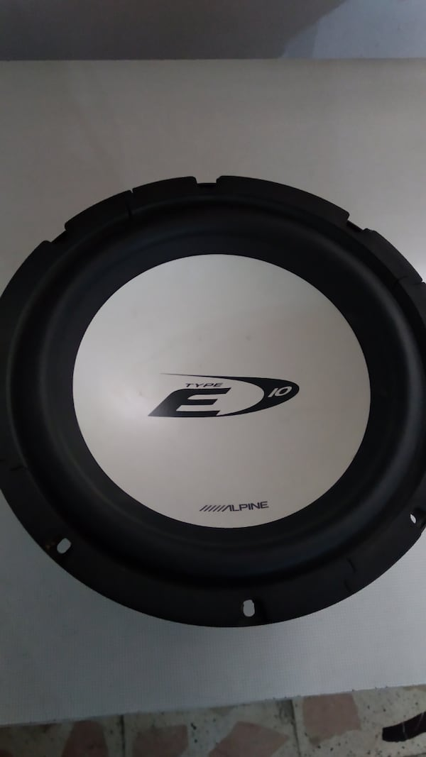 25 cm Alpine bass woofer b8f0c8f8-595e-43e5-83e6-cd439faefd39
