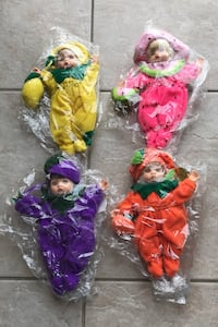 Adorable Effenbee dolls! They smell like fruit. Brand new in packaging Toronto, M9M 1G3