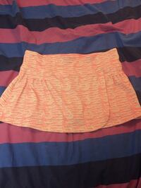 White and pink skort size L Edmonton, T6A 0T3