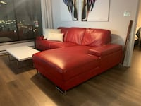 Beautiful red sectional couch! Montréal, H4P