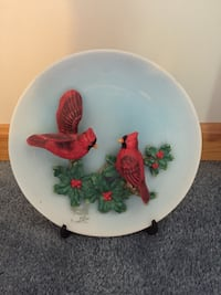 Red 2 birds perched on flower ceramic decorative plate Somerset, 02726