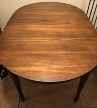 Real wood plus 1 leaf to extend table Toronto, M6H 3B3