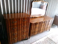 Beautiful Brown French Provincial Bedroom Set St. Louis, 63102