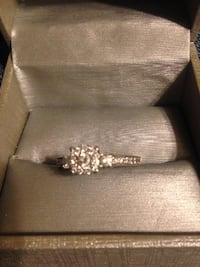 14k diamond ring SIZE '8' Edmond