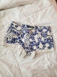 white and blue floral jean shorts Surrey, V3T