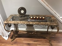 End table Bradford West Gwillimbury, L3Z 0C7