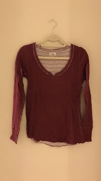 Tna long sleeve top  Coquitlam, V3E