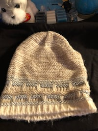 brown and white knit cap Smithsburg, 21783