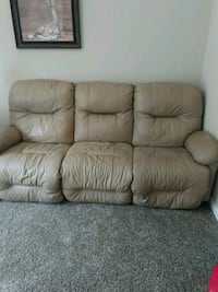 Leather couch Danville, 46122