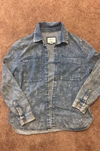 Denim button up size M