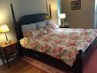 Gorgeous Colonial Ethan Allen King-Sized Wooden Bed Frame LOSANGELES