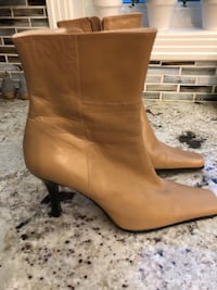 Women's guess boots Windsor, N9E 1Y7