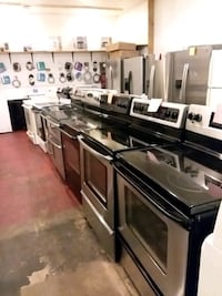 Stainless steel stove electric 5 burners convection oven 4months warra Halethorpe, 21227