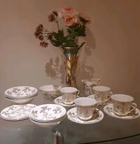 Dishes / servingware ( made in England) Pointe-Claire, H9R